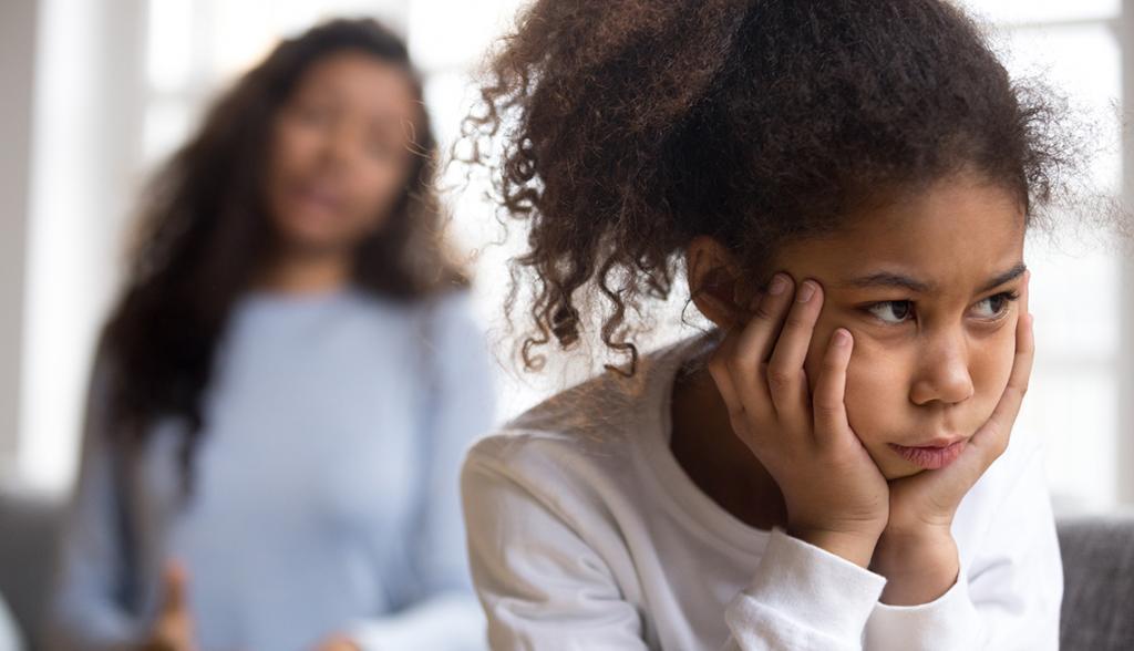 Причины и симптомы травматического стресса среди учащихся