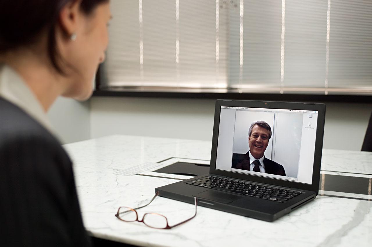 Что такое онлайн-интервью и какие его особенности