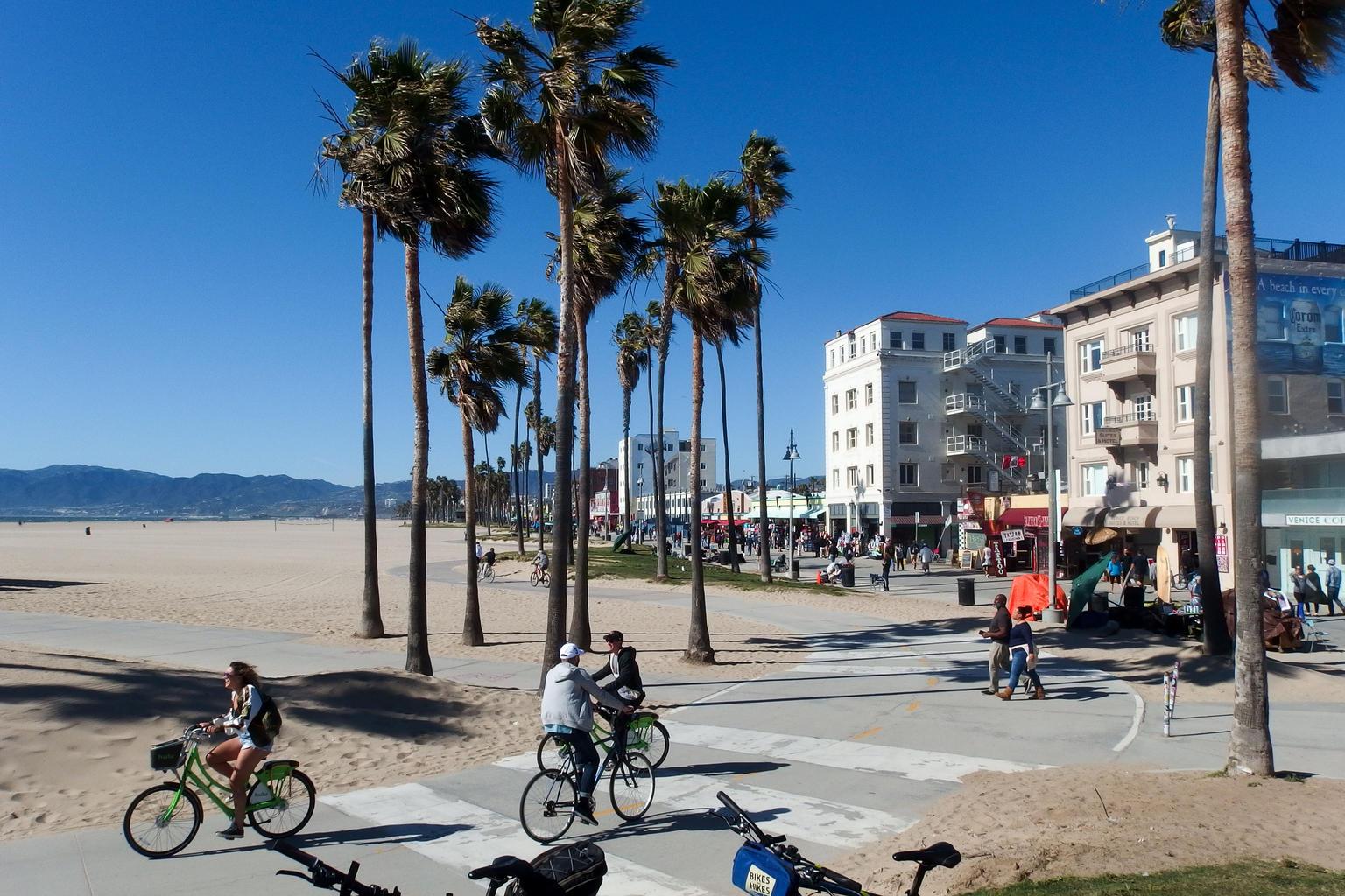 поездка в Лос-Анджелес