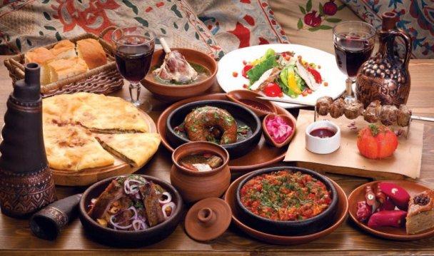Аппетитное кавказское застолье