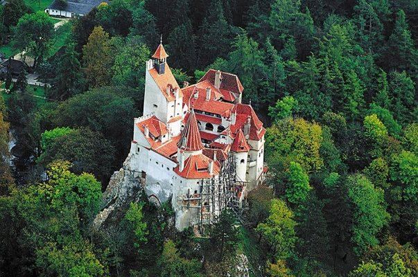 Замок Дракулы в городе Бран