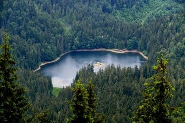Озеро Синевир сверху