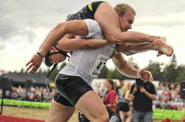 Чемпионат по переноске жён, Финляндия
