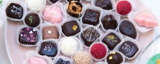 Почему дети обожают сладости: 5 причин их крепкой любви