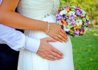 Беременная невеста на свадьбе, рекомендации молодым