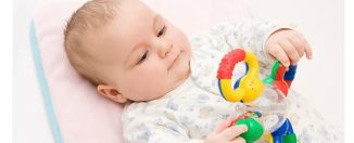 Как выбрать правильную погремушку для малыша