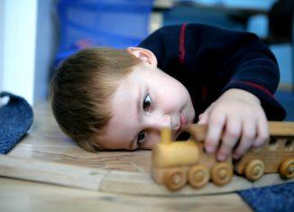 Аутизм у ребёнка: как с этим жить