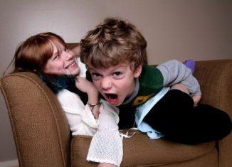 Как успокоить шумного ребёнка