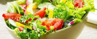 Готовим салаты: как поразить гостей вкусным блюдом?