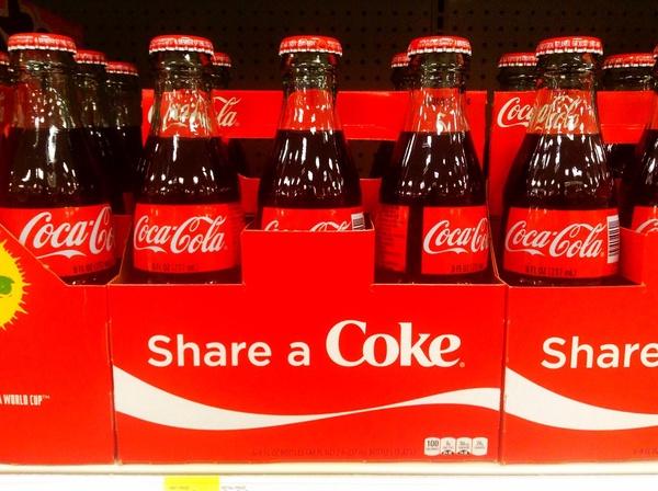 Кока-Кола при беременности: можно ли пить, польза и вред напитка