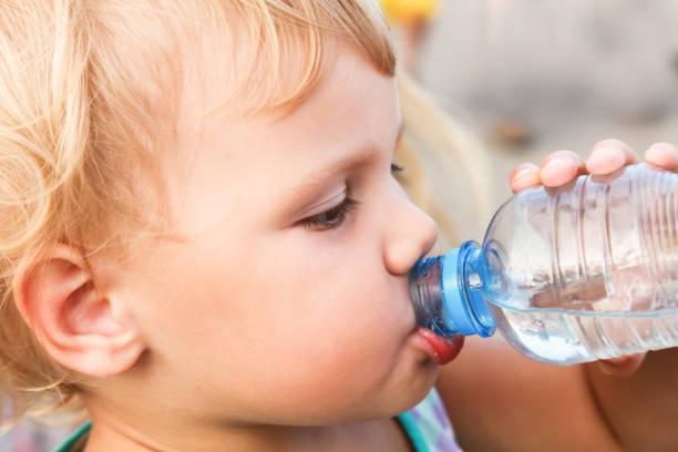 Обезвоживание у ребенка: как проявляется, симптомы, что делать