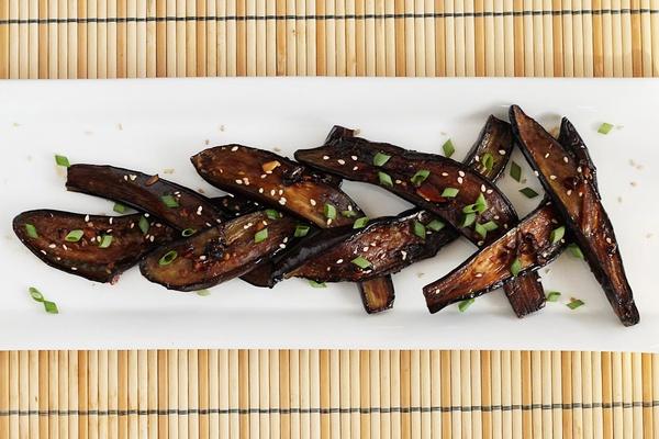 Баклажаны в духовке целые и кусочками: сколько по времени готовить для ПП салата, рецепт