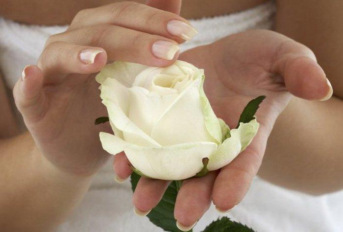 Нежность женских рук