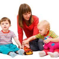 Как выбрать няню для ребёнка